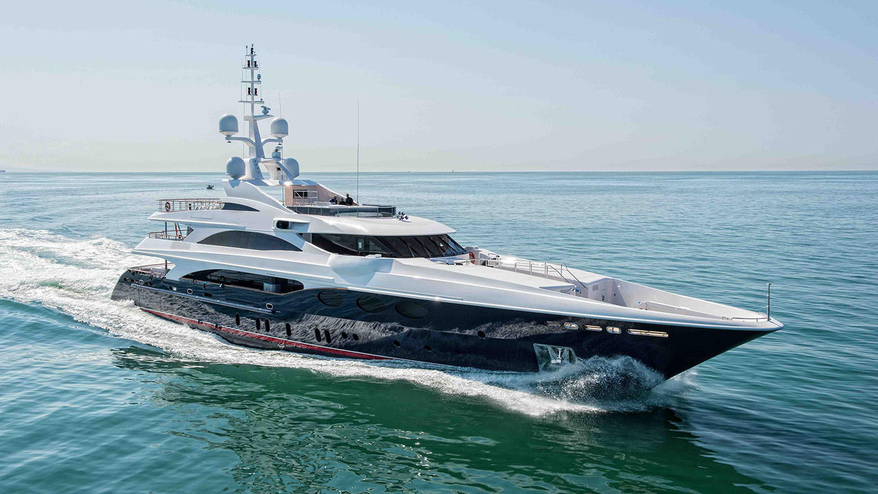 KI2V3tW9S6iA4bNNueQ5_Karianna-superyacht-Benetti-delivered-starboard-1280x720.jpg