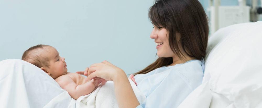 Isole di Sicilia, 'Bonus' da 3 mila euro per le neo mamme. Per le Eolie stanziati oltre 270 mila euro