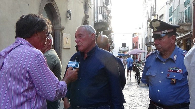 LE INTERVISTE DE 'IL NOTIZIARIO'. Lipari, il Presidente del Senato Pietro Grasso ha presentato il volume 'Storie di sangue, amici e fantasmi'