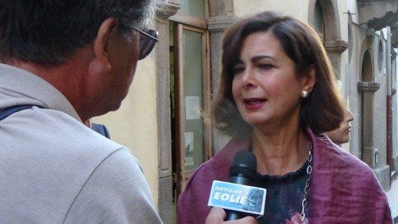 LE INTERVISTE DE 'IL NOTIZIARIO'. Lipari, il presidente della Camera dei Deputati Laura Boldrini presenta il volume 'La comunità possibile: una nuova rotta per il futuro dell'Europa'.